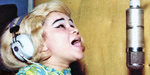 Etta sings in Muscle Shoals